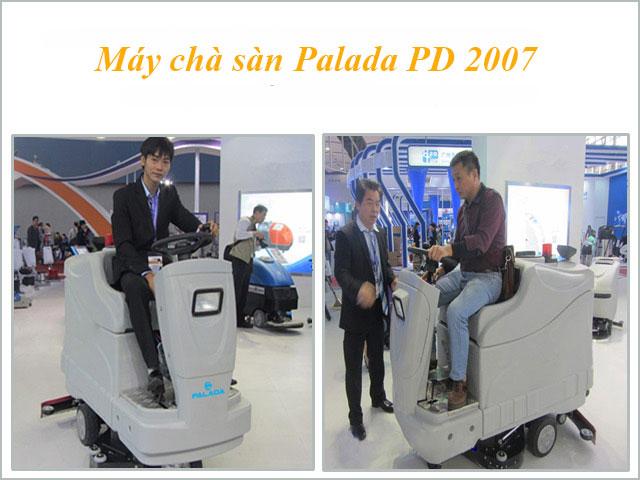 Khách hàng trải nghiệm máy chà sàn ngồi lái PD 2007