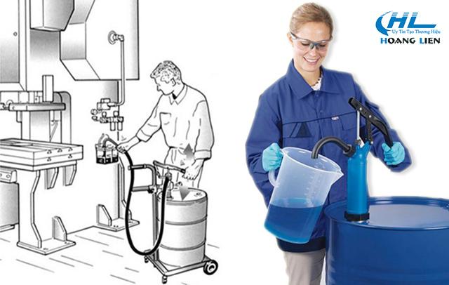 máy bơm hóa chất từ thùng phi