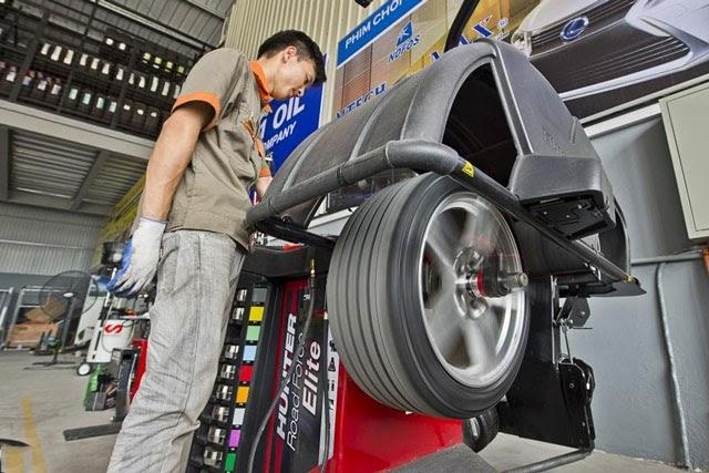 Cách sử dụng máy cân lốp ô tô