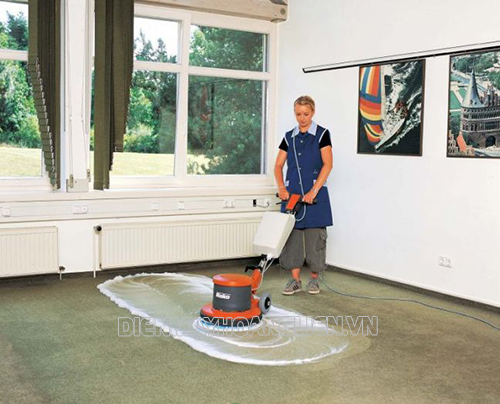 Khi mua máy chà sàn cần chú ý tới chức năng của máy