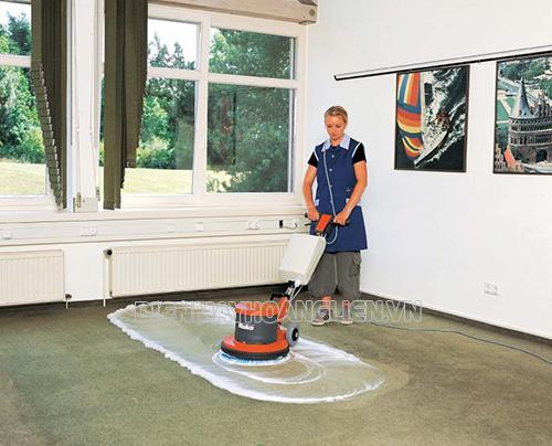 Sử dụng máy chà sàn phù hợp từng khu vực vệ sinh