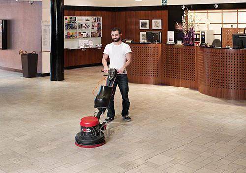 Máy chà sàn phù hợp làm sạch quán cà phê