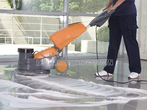 Khi lựa chọn mua máy chà sàn cũ cần xem xét cấu tạo và chức năng của máy