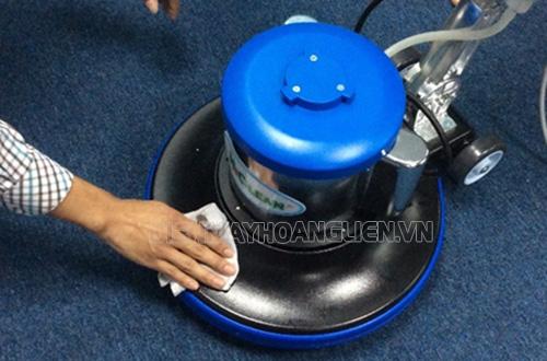 Sử dụng máy chà sàn đơn cần lưu ý gì?