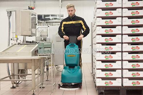 Người dùng nên tự trang bị cho mình cách sửa chữa khi máy chà sàn gặp sự cố
